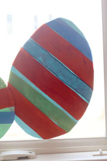 Simple Easter egg craft for preschoolers to make