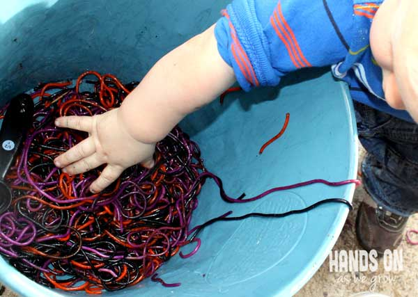 A cauldron for a spaghetti sensory activity for toddlers
