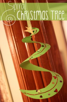 Spiral Christmas tree craft for kids to hang up!