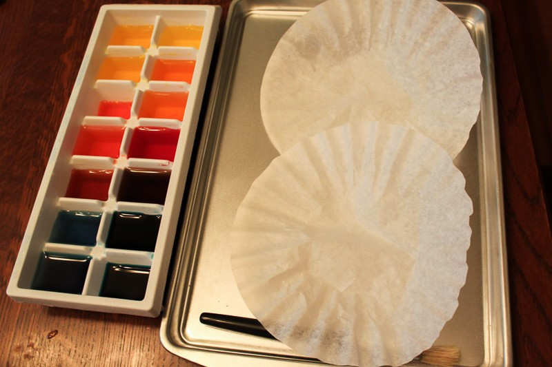 Create coffee filter flowers for kids to make for Mother's Day!